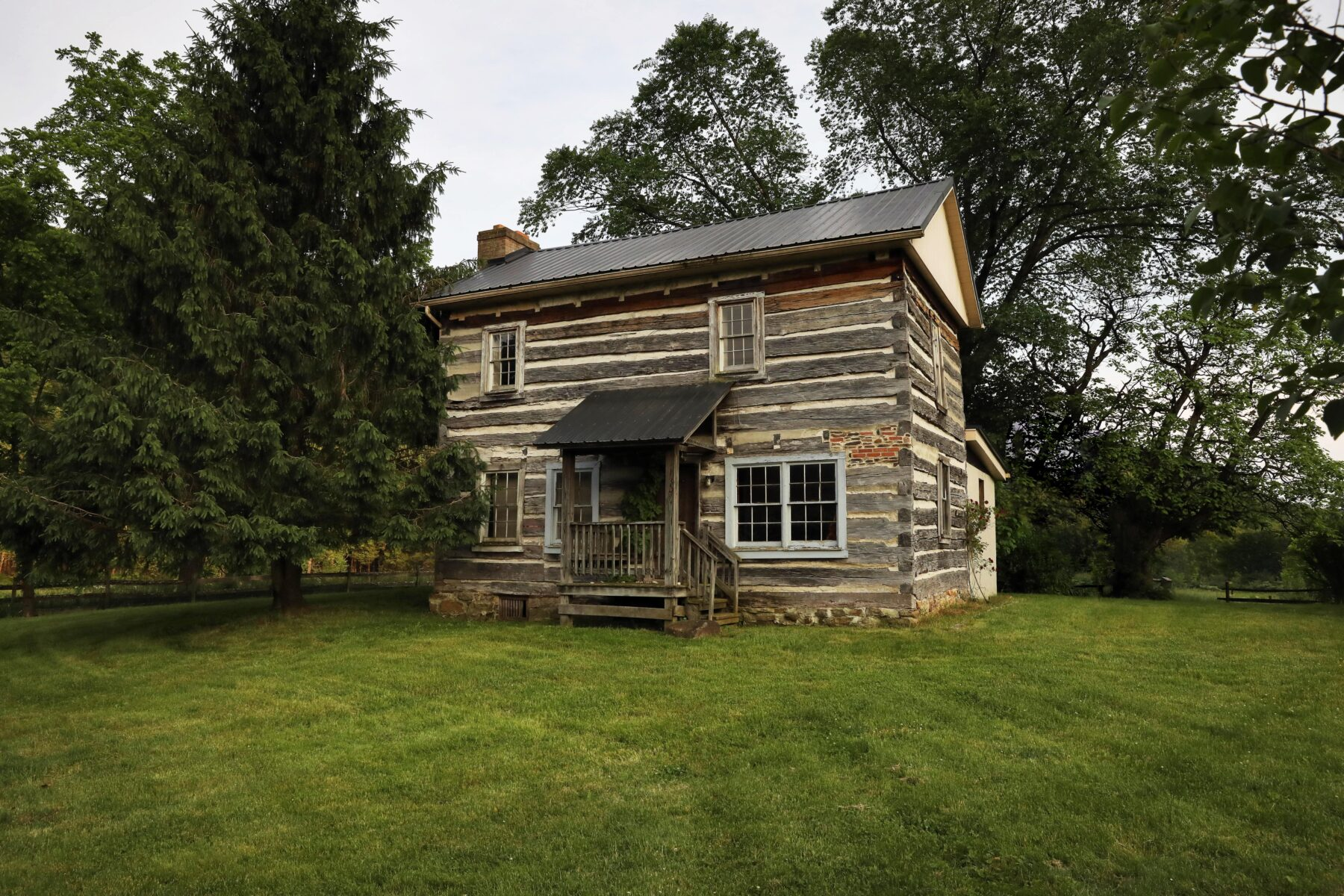 1807 Historic Powell Log Cabin