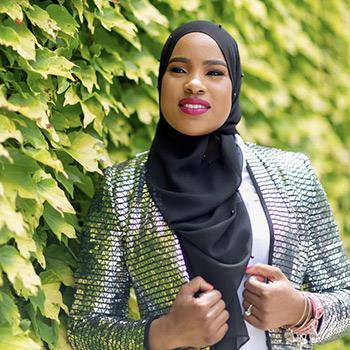 Naseemah Palmer LCSW, MS Therapist Activewear